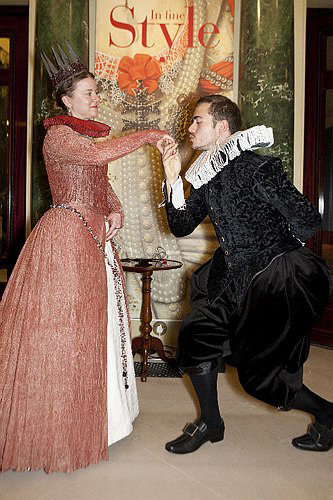 The Earl of Wessex offers a courtesy to Elisabeth de Valois, Queen of Spain