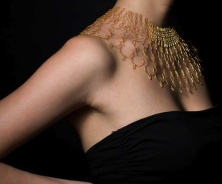 Florie Salnot, a 'plastic gold' necklace