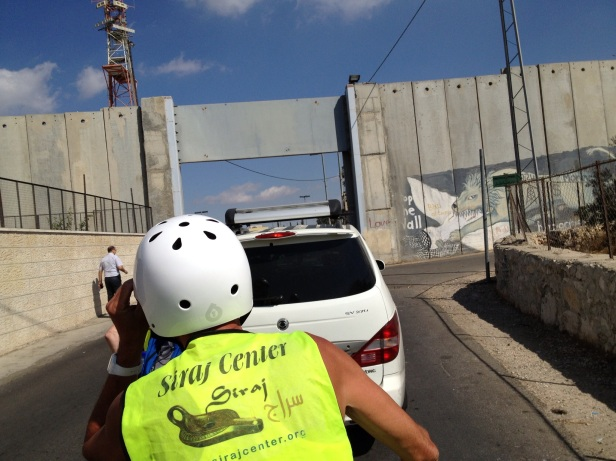 Entrance to the outskirts of Jerusalem (south) from Bethlehem. Photo credit Tom Butler.