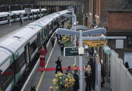 Platform 1 Gallery on Wandsworth Common Station. Image courtesy Platform 1 Gallery website.