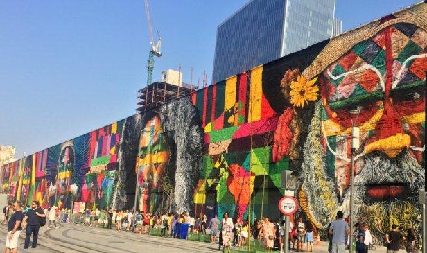 Eduardo Kobra, 'Etnias [Ethnicities]', 2016, mural 620-feet long, at Praça Mauá port, Rio de Janeiro. Photo: Kelise Franclemont.