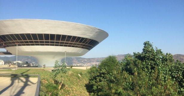 Museu de Arte Contemporânea (MAC) de Niterói, in the region of Rio de Janeiro, Brazil. Photo: Kelise Franclemont.