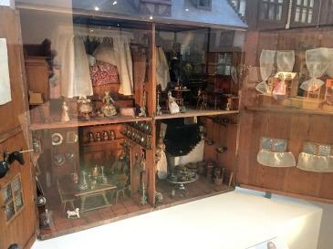 Antique doll-house, 1700s, V&A Museum of Childhood, London. Photo credit Kelise Franclemont.